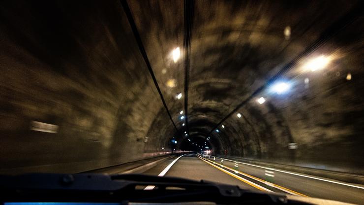事故件数が増加中! 危険極まりないスマホながら運転のアイキャッチ画像