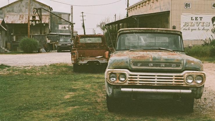 3台のレトロカー