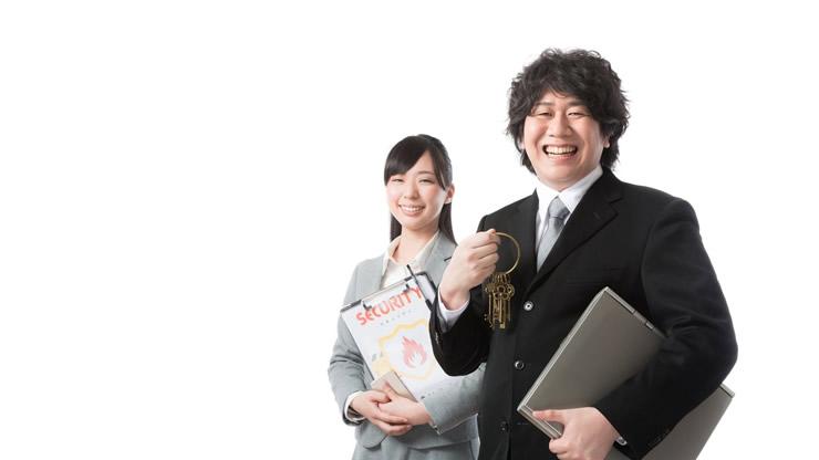 笑顔の素敵な二人の会社員
