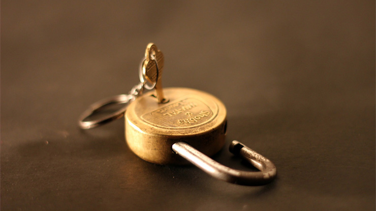 錠前と鍵のイメージ